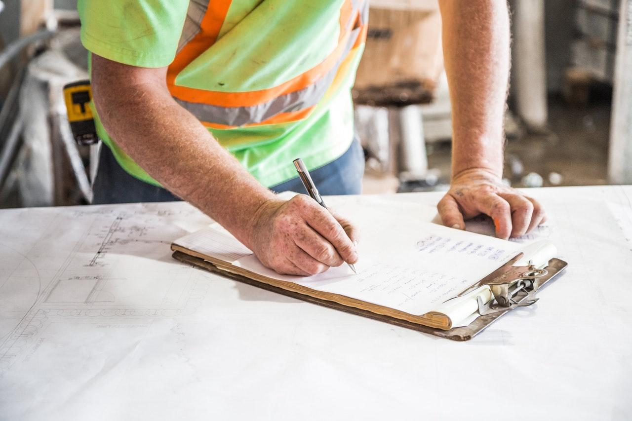 Dylatacje przy wylewaniu posadzki betonowej - zasady