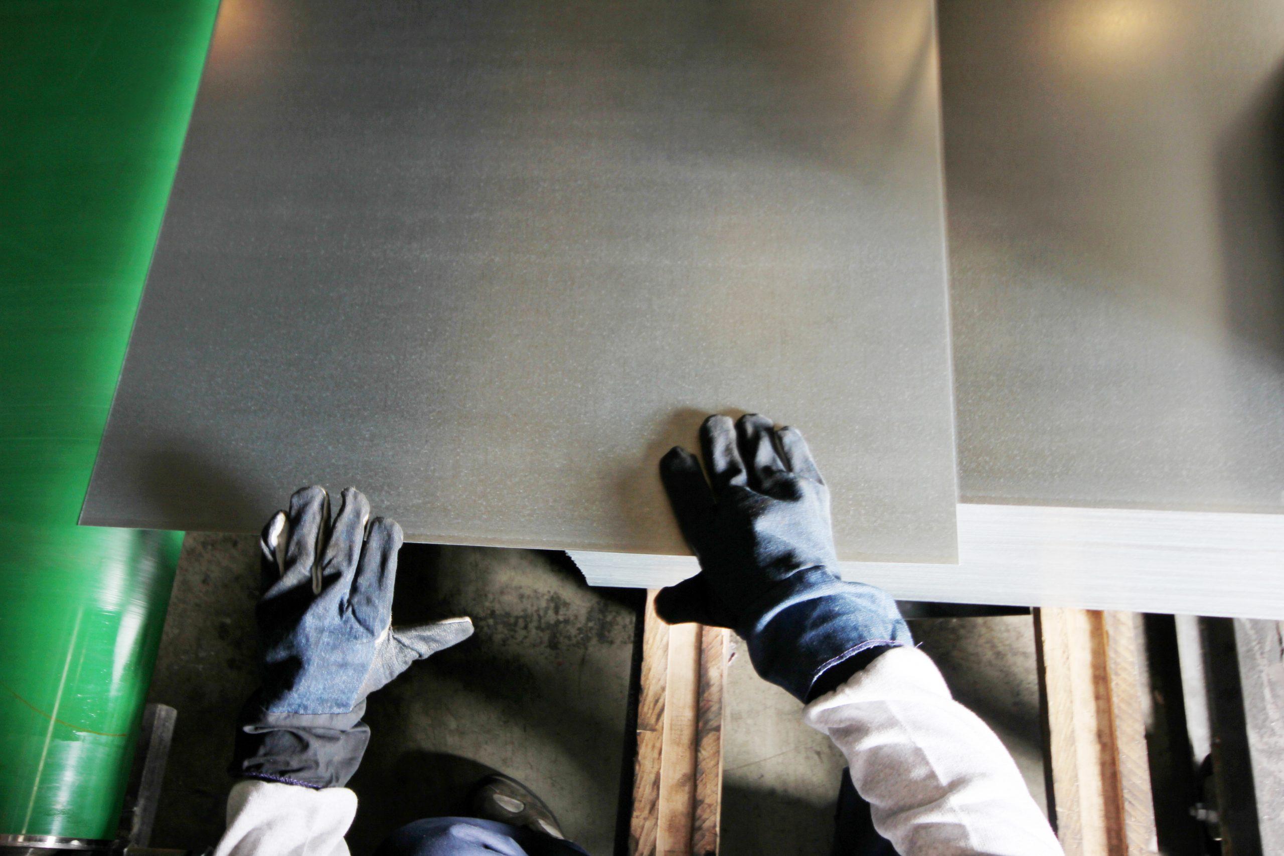 Blachy i kraty pomostowe w budownictwie przemysłowym