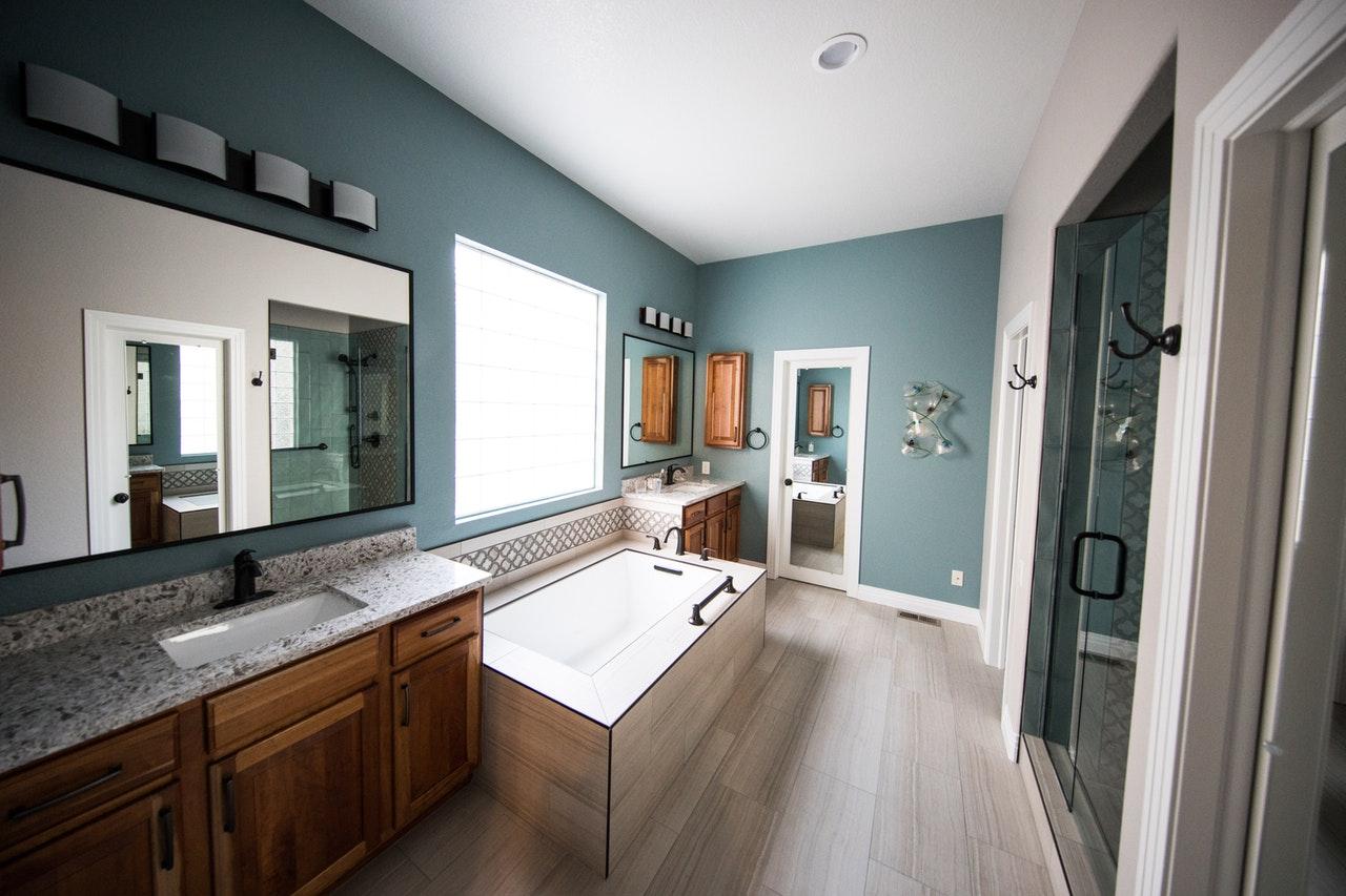 Łazienka nowoczesna i praktyczna