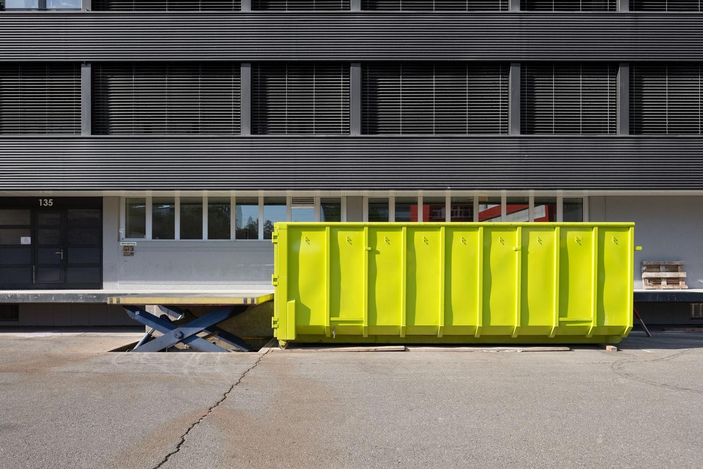 Remont lub przebudowa domu - kto może się zająć wywozem gruzu w Warszawie?