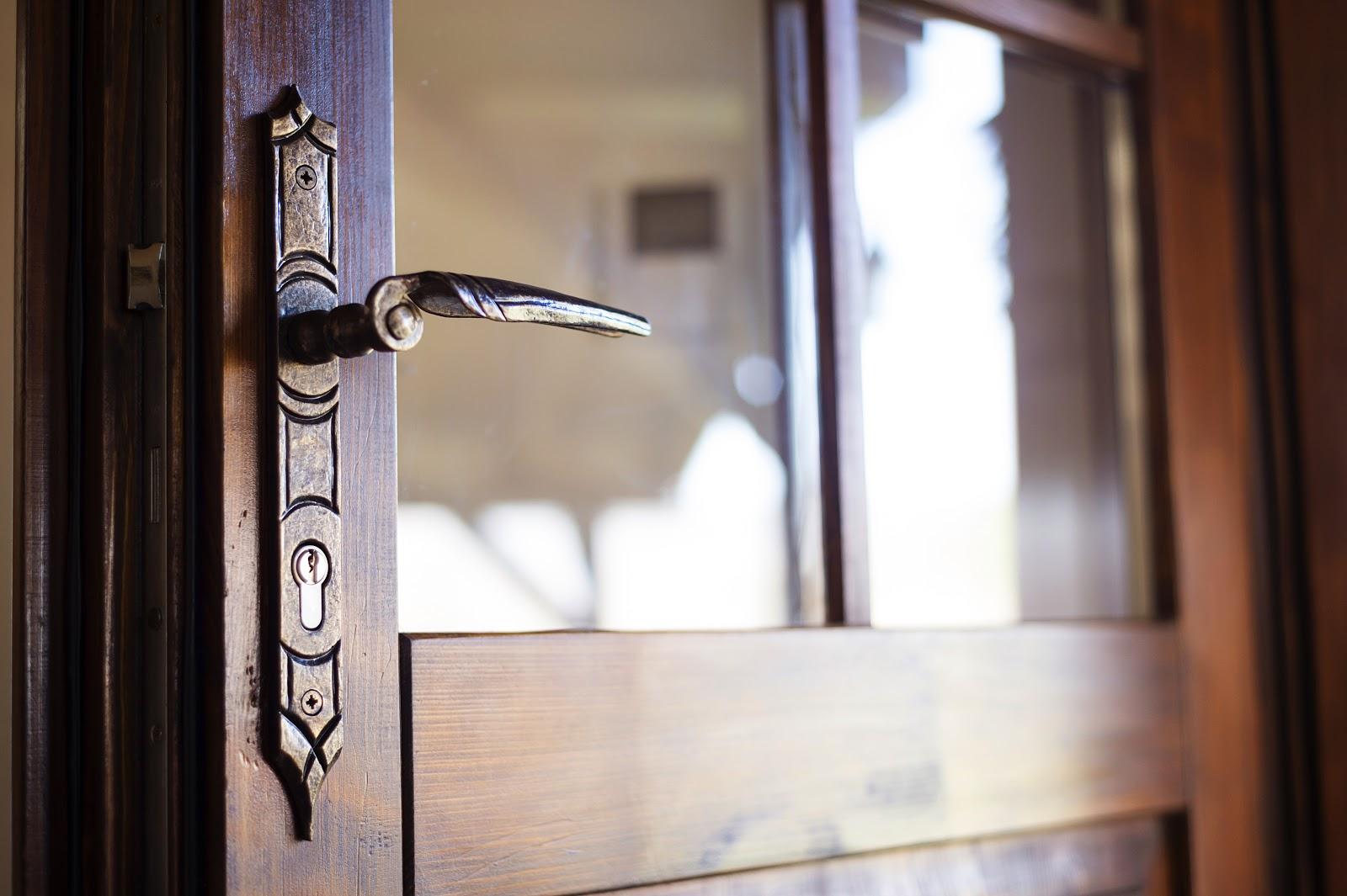 Jak-wybrać-drzwi-wejściowe-zewnętrzne