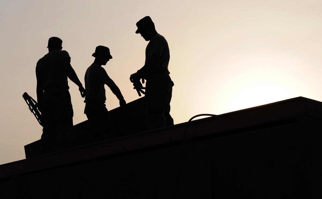 Dlaczego warto korzystać z wyszukiwarki firm budowlanych?