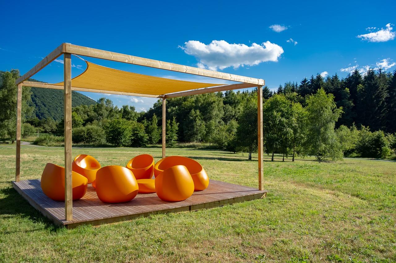 Żagle przeciwsłoneczne - dlaczego dobre do ogrodu?