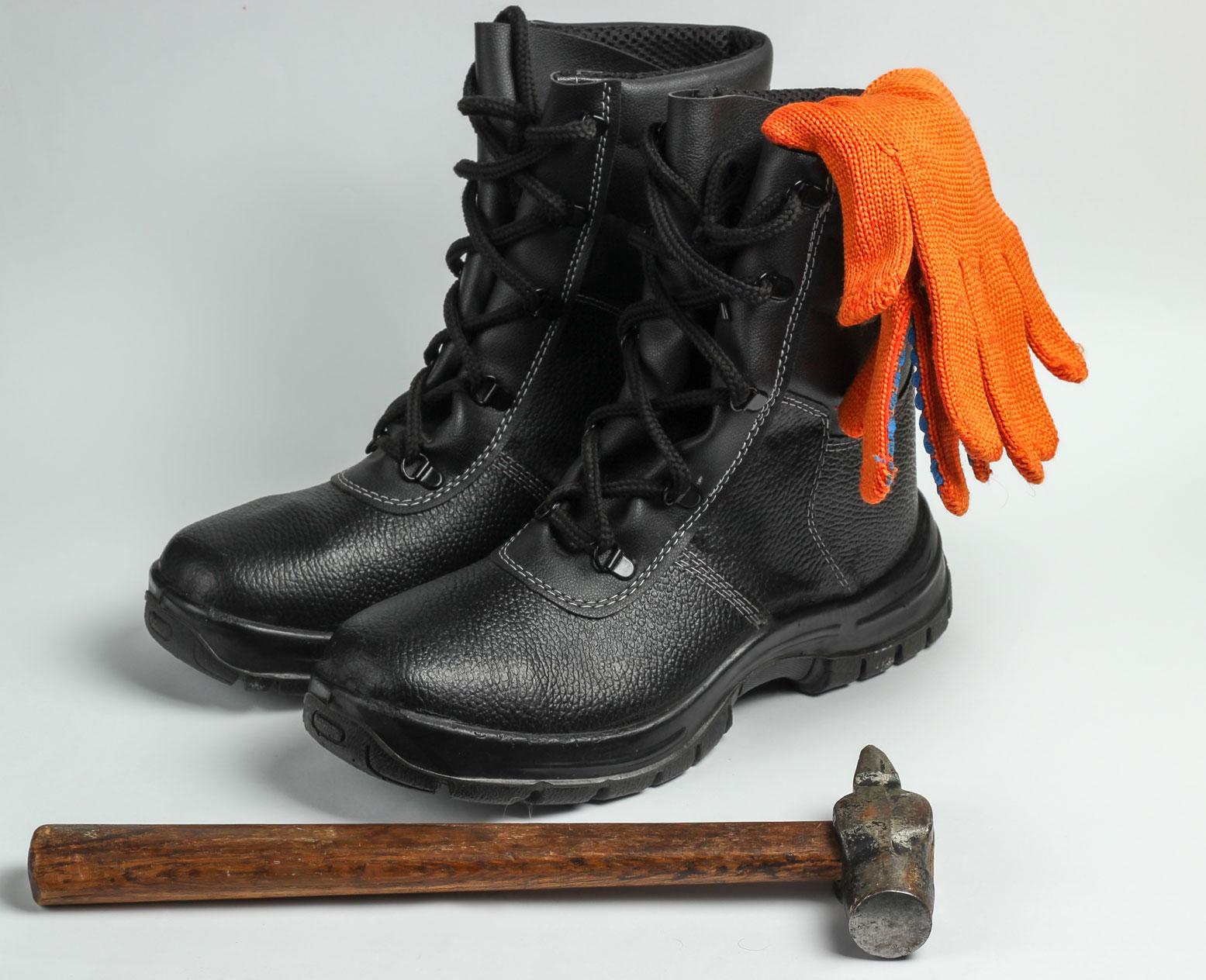 Obuwie robocze a obuwie ochronne