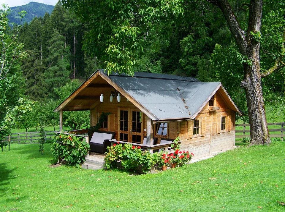 Czy budowa domu drewnianego w Polsce to dobra inwestycja