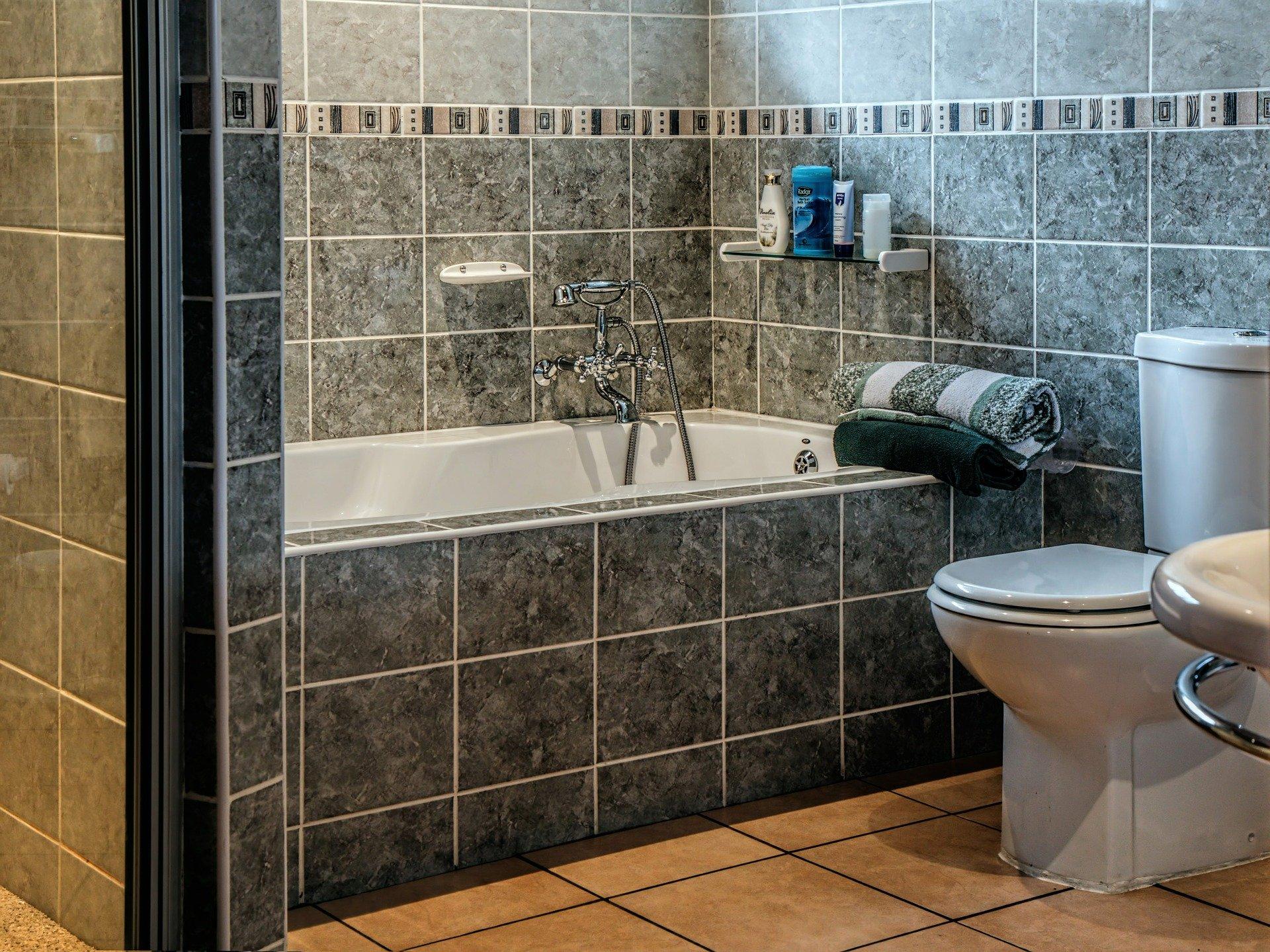Aranżujemy łazienkę dla rodziny wielodzietnej. Przydatne rady, z których warto skorzystać