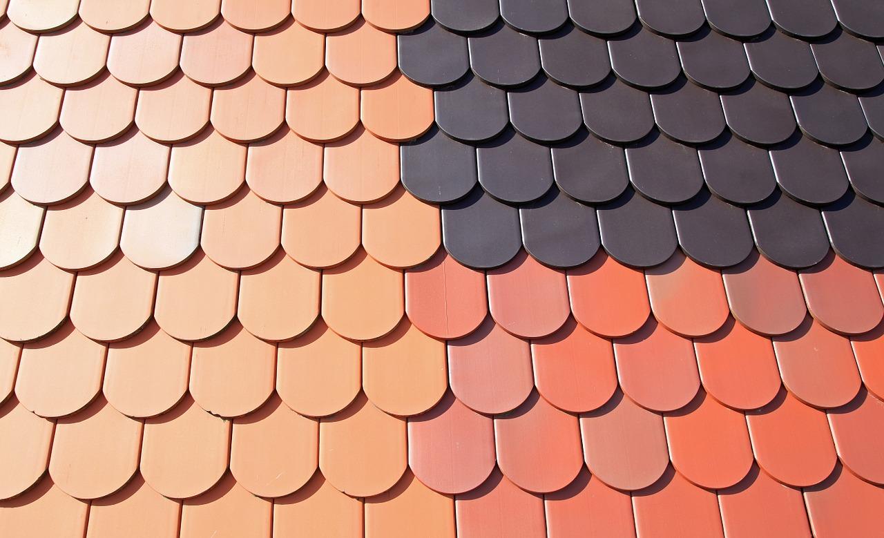 Dachówki ceramiczne – co warto o nich wiedzieć?