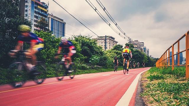 Kładki dla pieszych i rowerzystów – dlaczego są niezbędne?