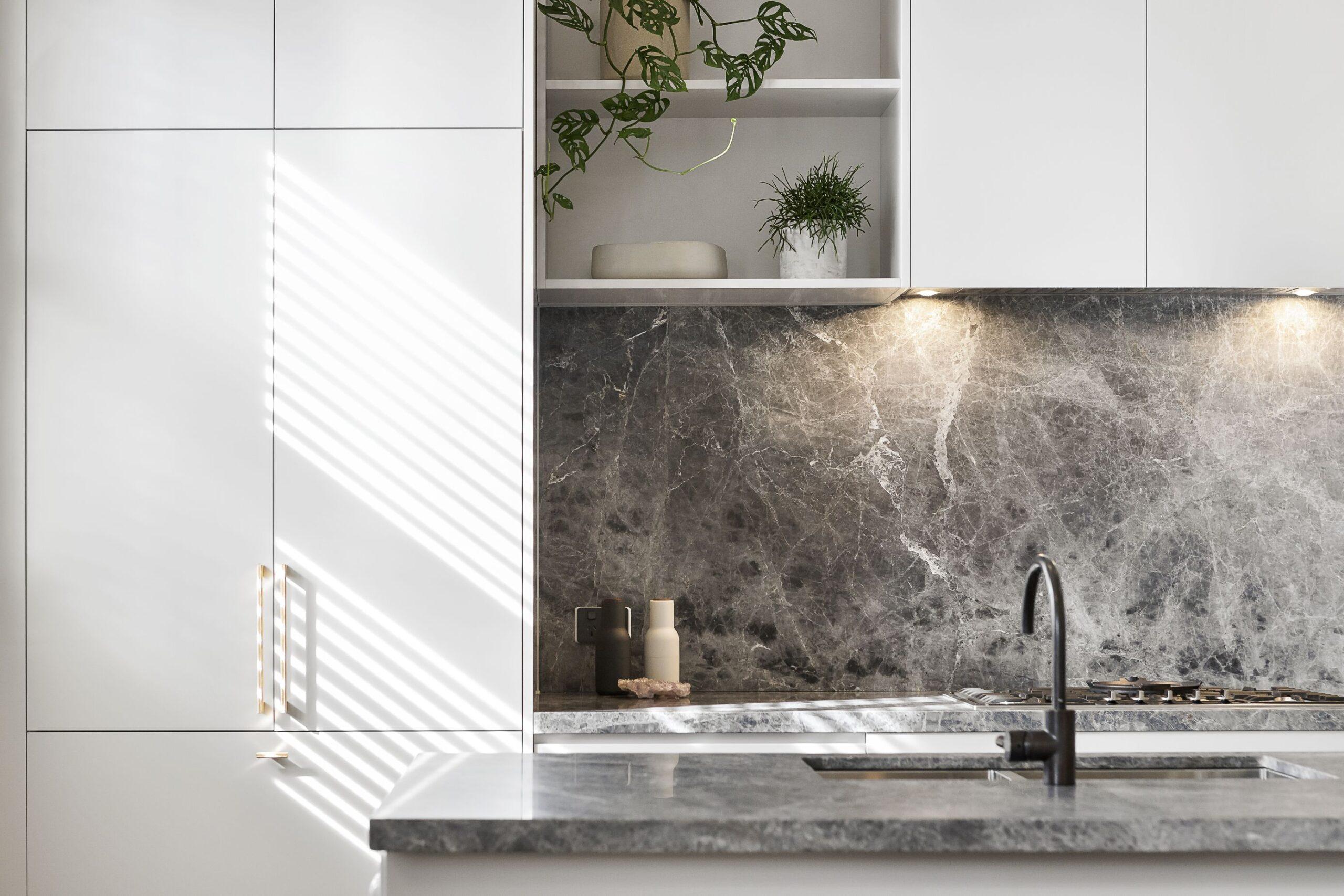 Blaty kuchenne granitowe – najlepszy wybór do współczesnej kuchni?