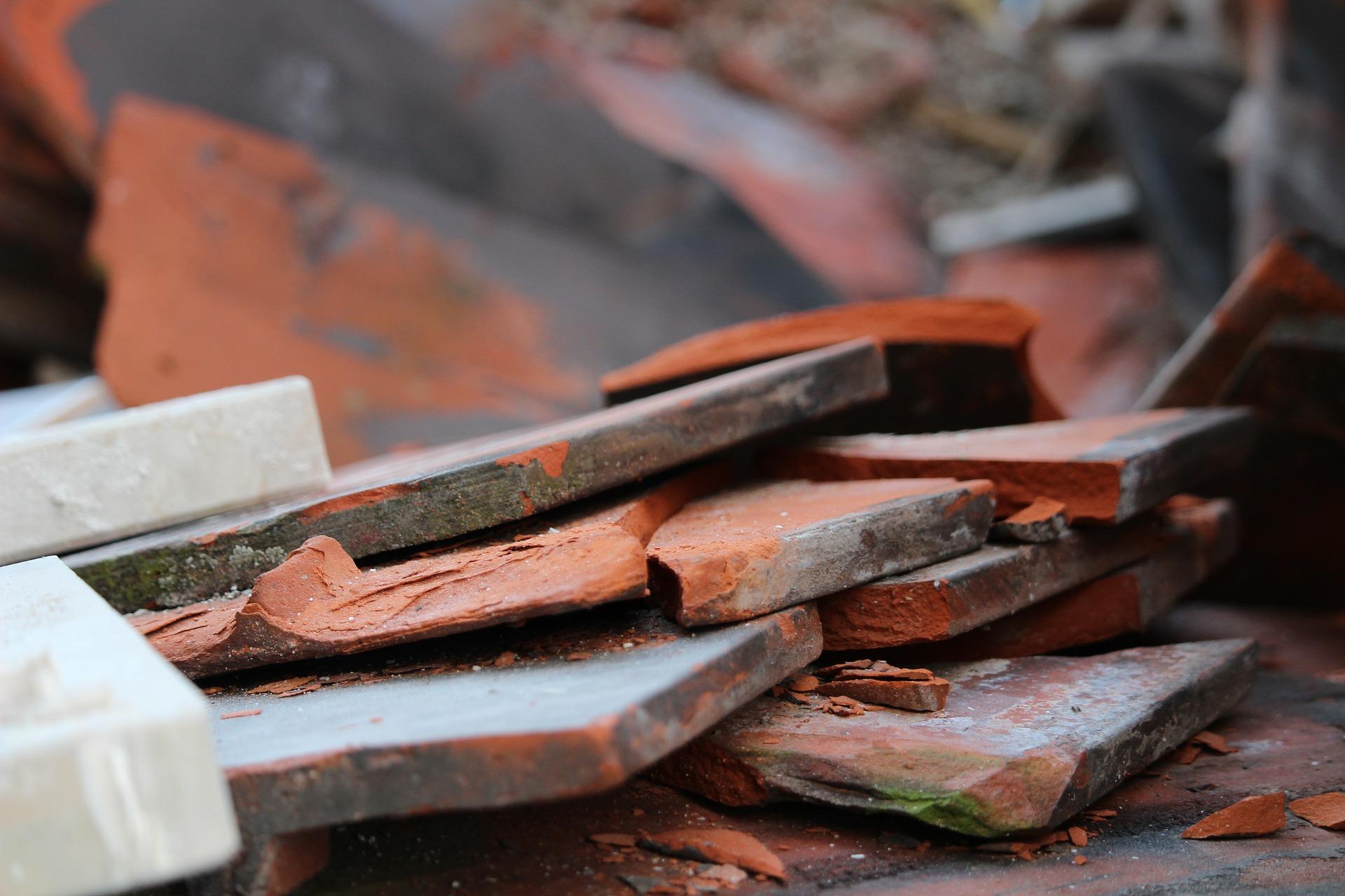 Jak legalnie pozbyć się gruzu i odpadów po remoncie?