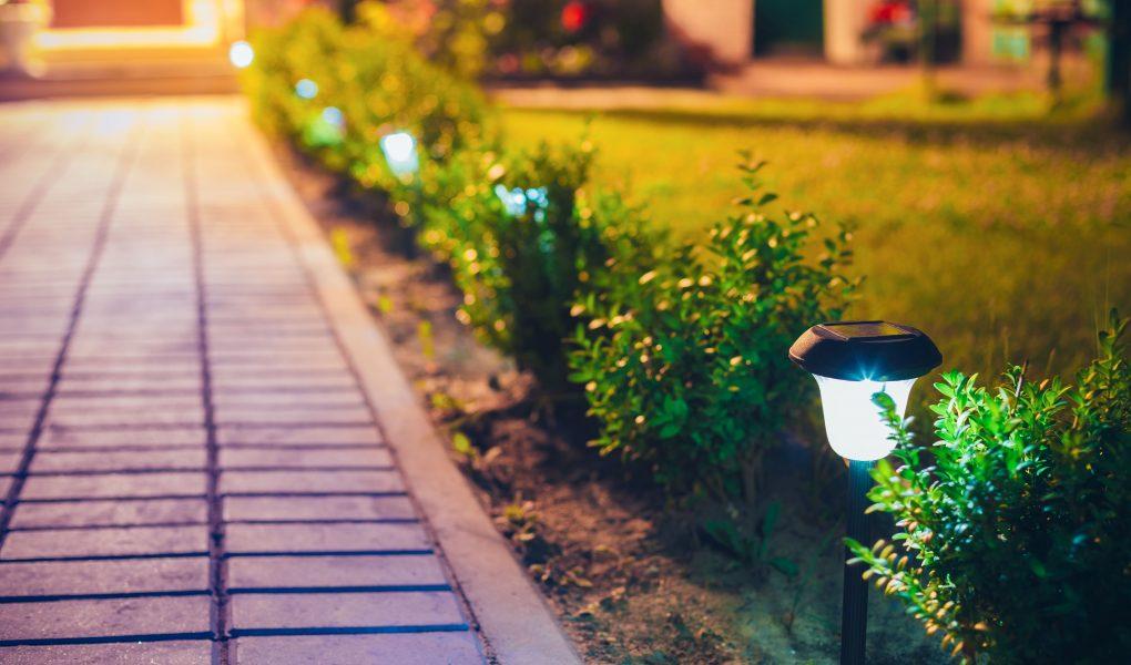 Lampy ogrodowe - jaki rodzaj wybrać?