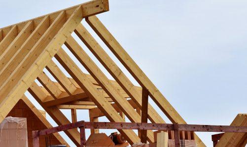 Bezpieczeństwo konstrukcji drewnianych – jak o nie zadbać.
